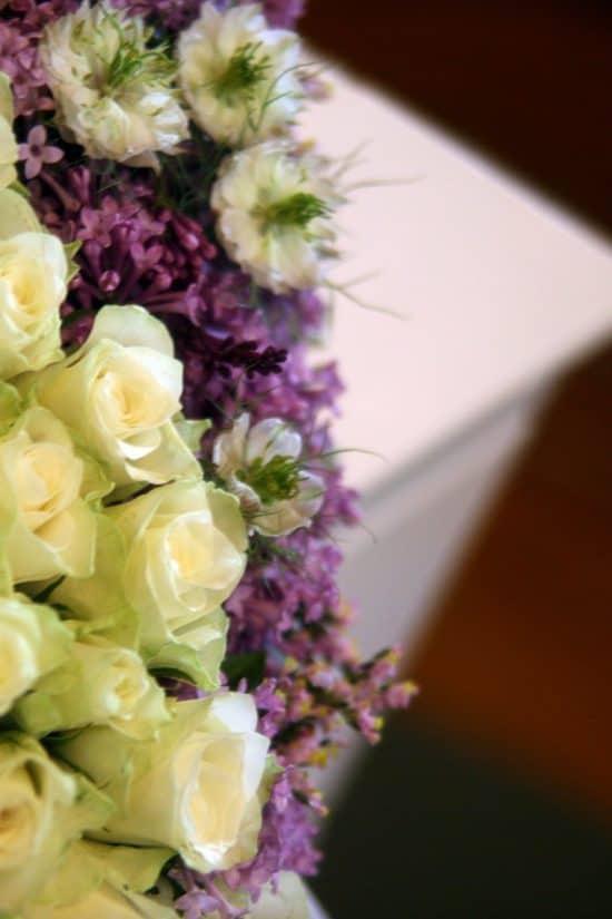 Blomster kiste begravelse kistedekorasjon