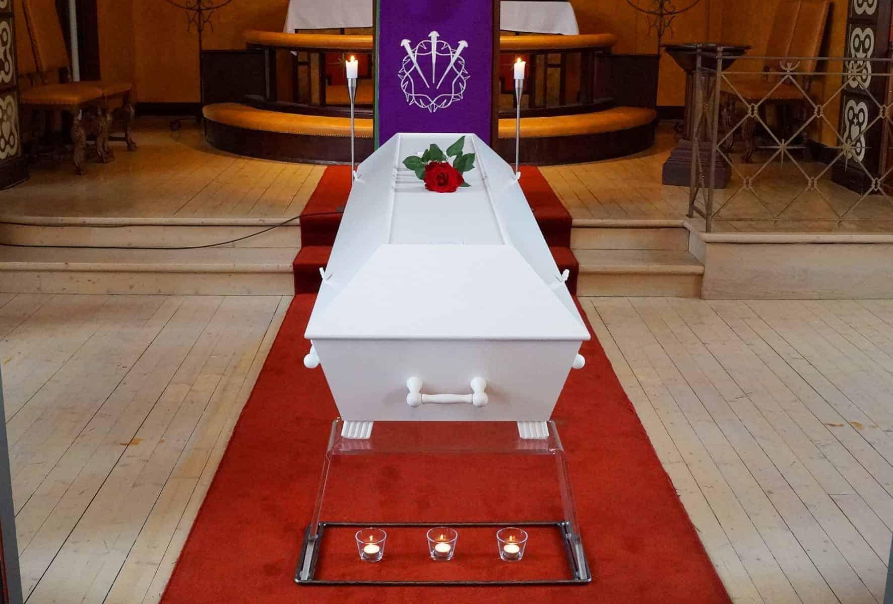 Begravelse, enkel