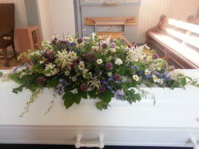 Kistedekorasjon blomster 03