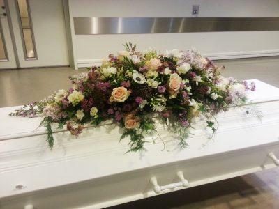 Kistedekorasjon blomster 06