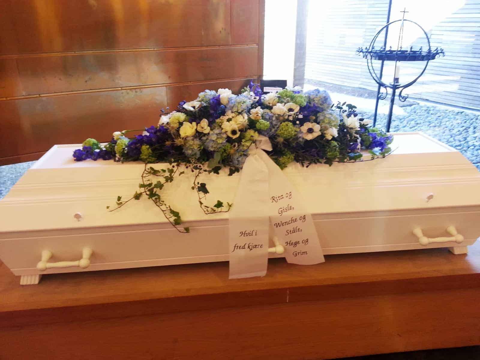 Kistedekorasjon blomster 09
