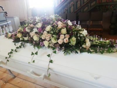 Kistedekorasjon blomster 15