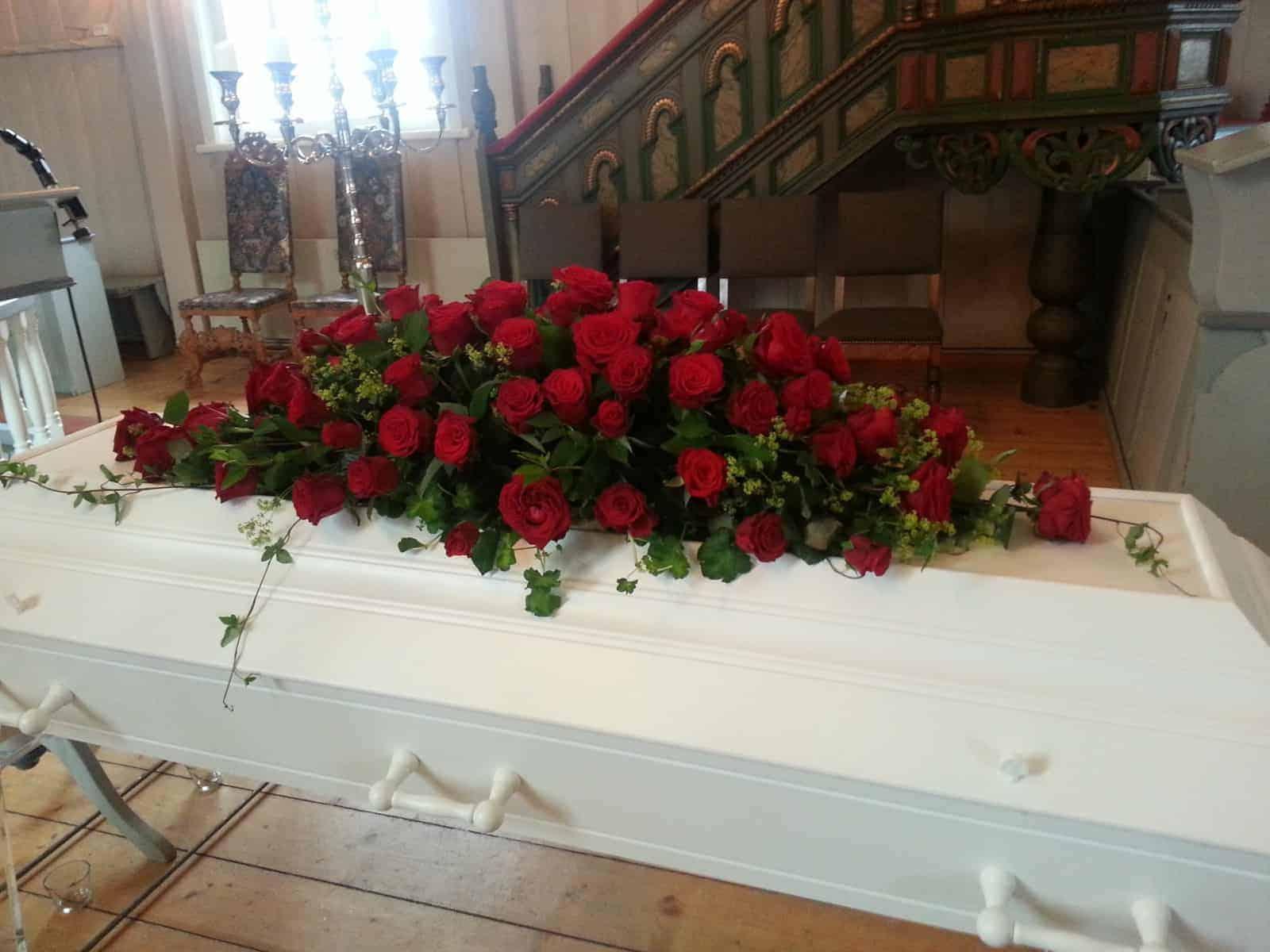 Kistedekorasjon blomster 17