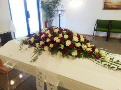 Kistedekorasjon blomster 25